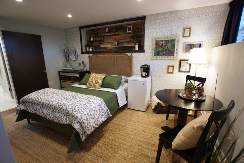 Basement Airbnb Studio Apartment in New York City - Astoria, Queens