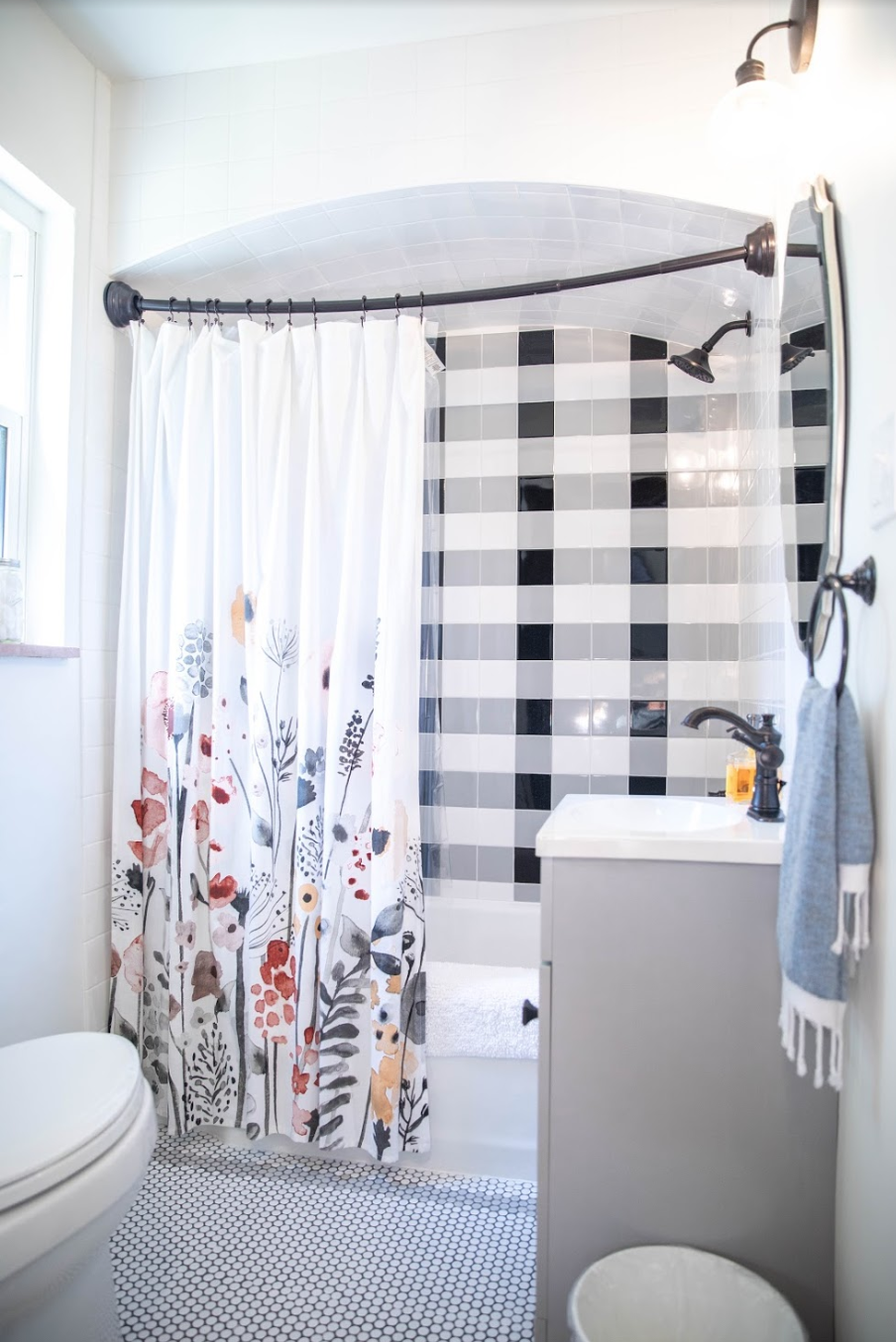 Buffalo_Check_Shower_in_an_Airbnb