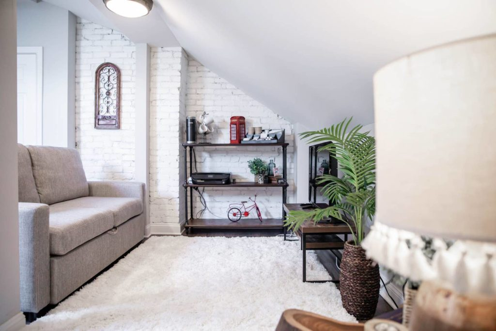 white_painted_brick_in_living_room