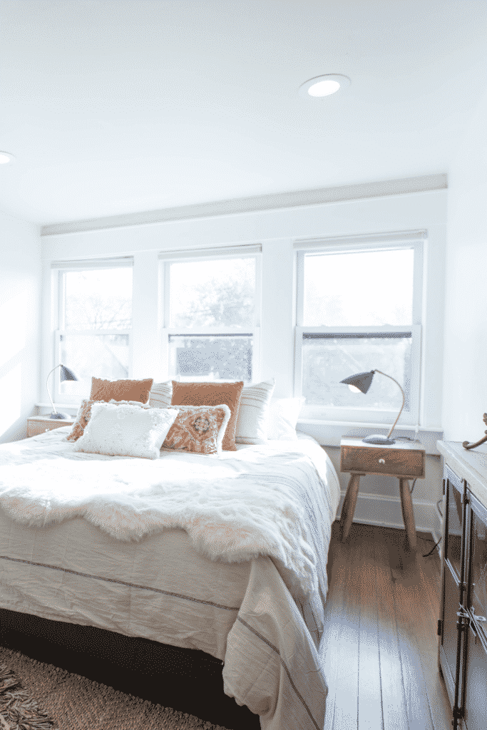 Decorating white walls with patterns and textures